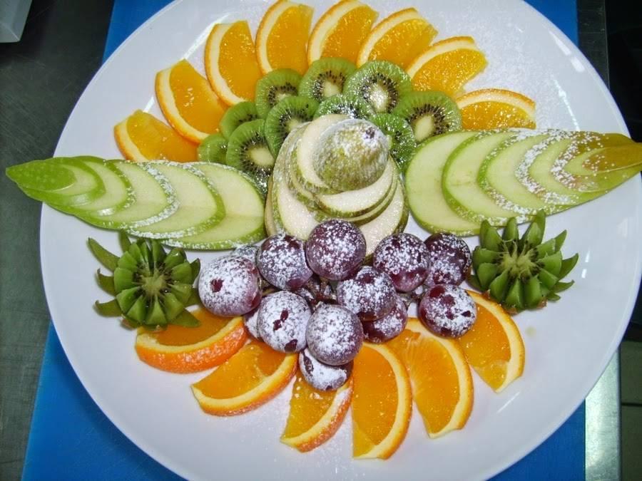 Как красиво нарезать фрукты на праздничный стол?