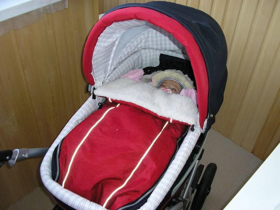 Можно ли гулять с новорожденным при насморке