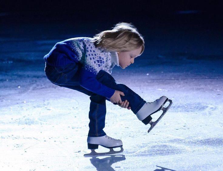 Отдаем ребенка в хоккей и на фигурное катание