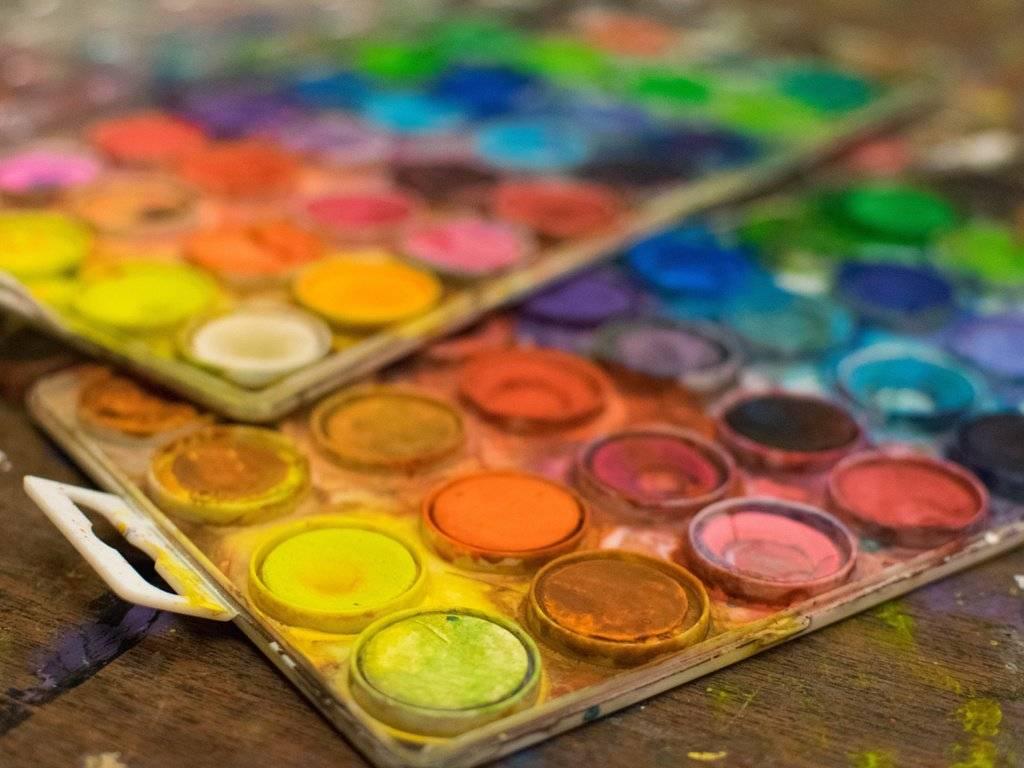 Особенности акриловых красок и техники рисования
