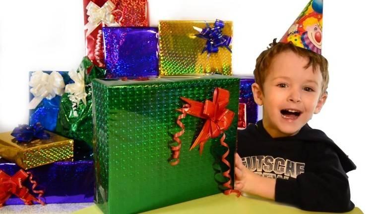 Что подарить ребенку на 4 года?