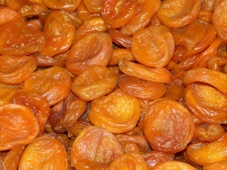 Сухофрукты при грудном вскармливании: можно ли пить компот кормящей маме в первый месяц гв, какие сушеные фрукты можно есть во время лактации