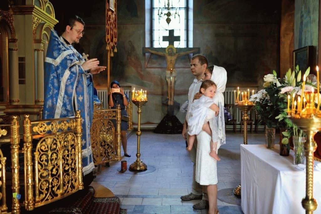 Крещение ребенка: особенности подготовки, порядок, история и суть обряда