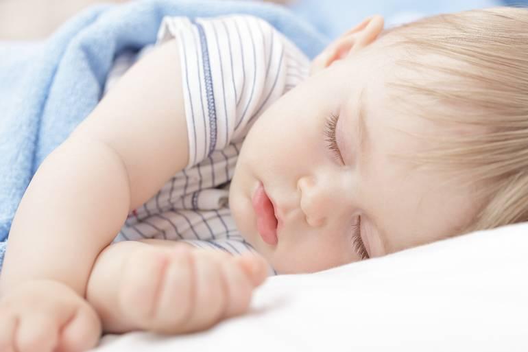 Почему вы вздрагиваете, когда засыпаете? :: polismed.com