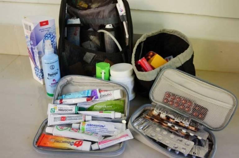 Как правильно собрать аптечку в путешествие — блог onetwotrip
