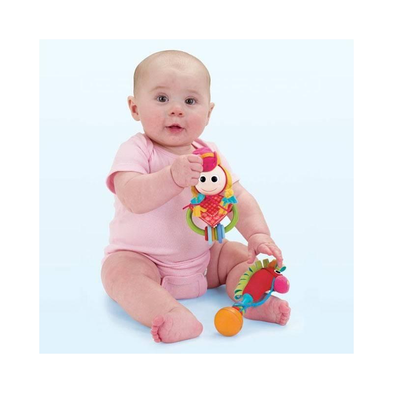 Когда ребенок начинает реагировать на погремушки, в каком возрасте дети реагируют на звук погремушек