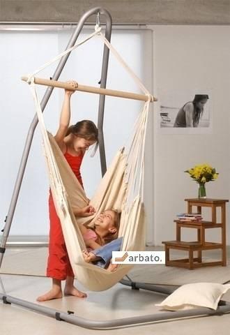 Детские качели для дома (98 фото): домашние, комнатные, для и дачи, качеля, в квартиру для ребенка
