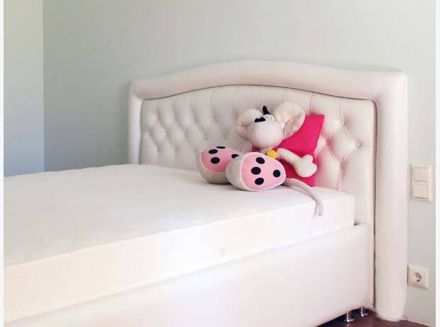 Современная и функциональная кровать для мальчика