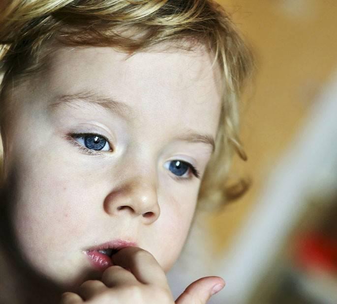 Бруксизм у детей и взрослых: почему люди скрипят зубами во сне