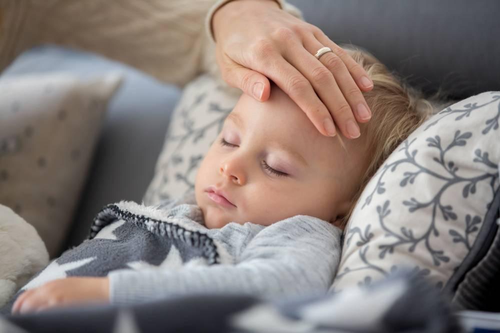 Почему у детей возникает конъюнктивит и как он лечится?