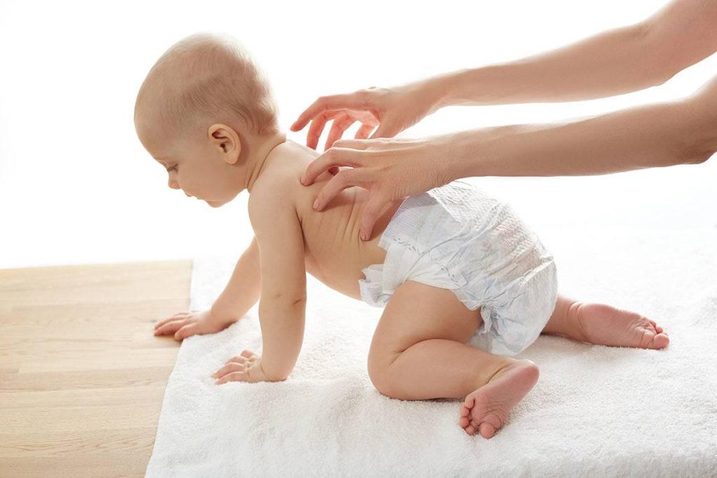 Учим ползать ребенка — упражнения и приспособления