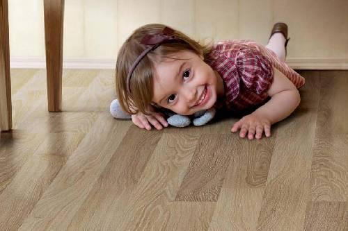 Топ-5 напольных покрытий для детской комнаты