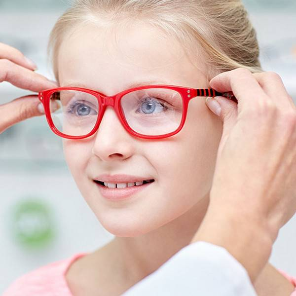 Женские очки для зрения 2021-2022: модные тенденции, фото