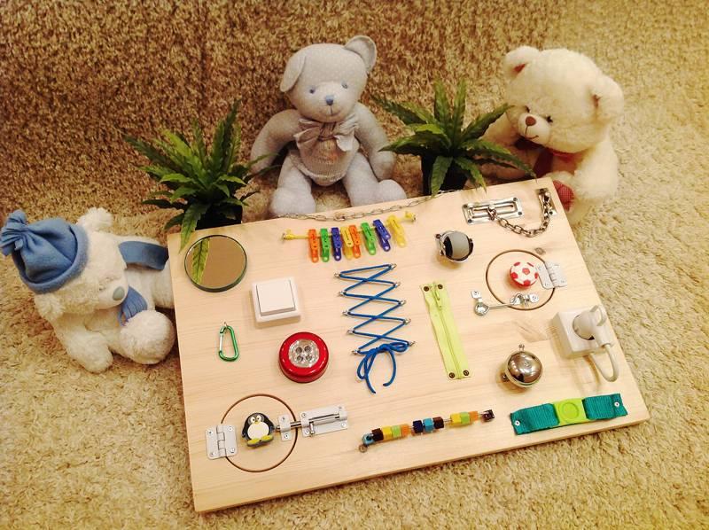 Развивающие игрушки своими руками для детей 0-5 лет | крестик