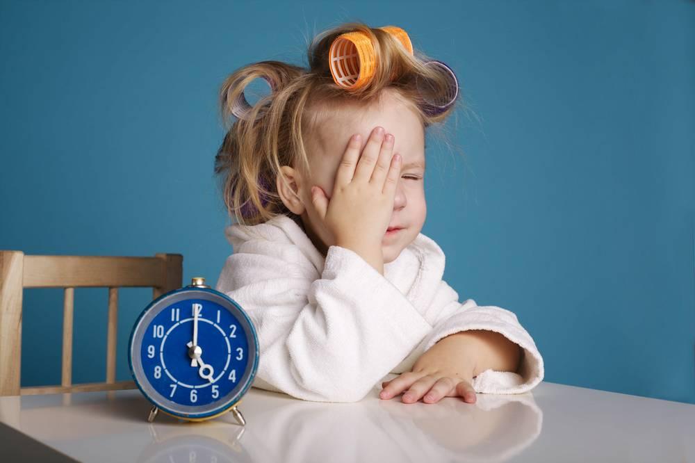 Как правильно будить ребенка: советы и рекомендации, как сделать пробуждение малыша приятным.