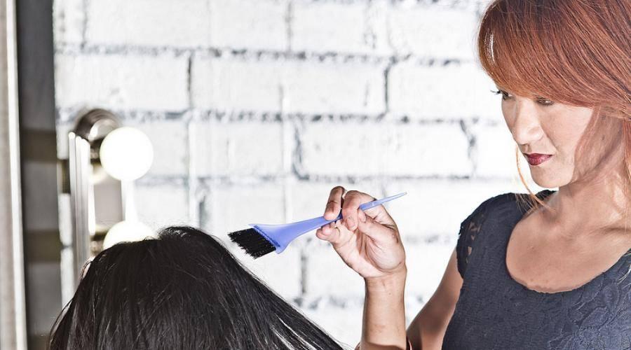 Можно ли красить волосы во время беременности: мнения врачей, безопасные способы