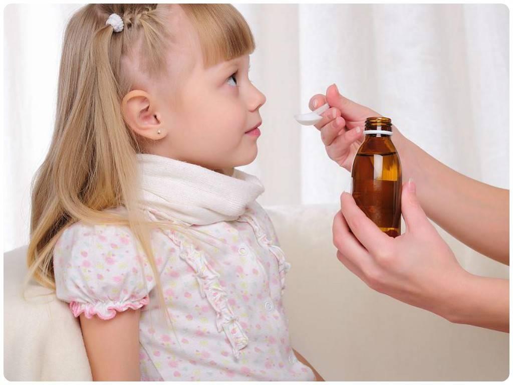 Ларингитный кашель у ребенка: симптомы и лечение