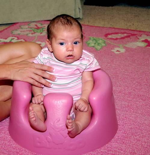 Когда ребенка можно ставить на ножки? советы врачей