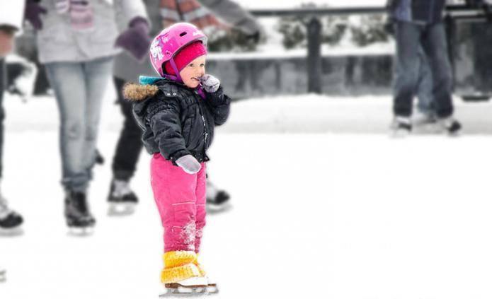 Как научить ребенка кататься на коньках?