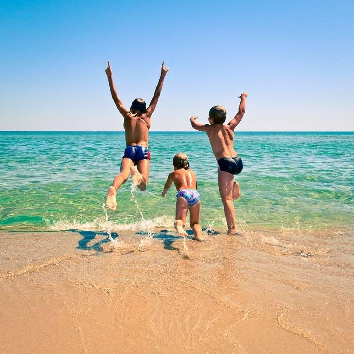 Куда поехать отдыхать на море с ребенком в 2021 году?