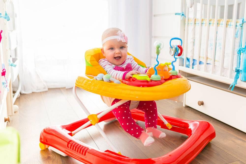Доктор комаровский - ходунки для малышей: за и против, нужны ли они ребенку, польза или вред, с какого возраста можно в них сажать