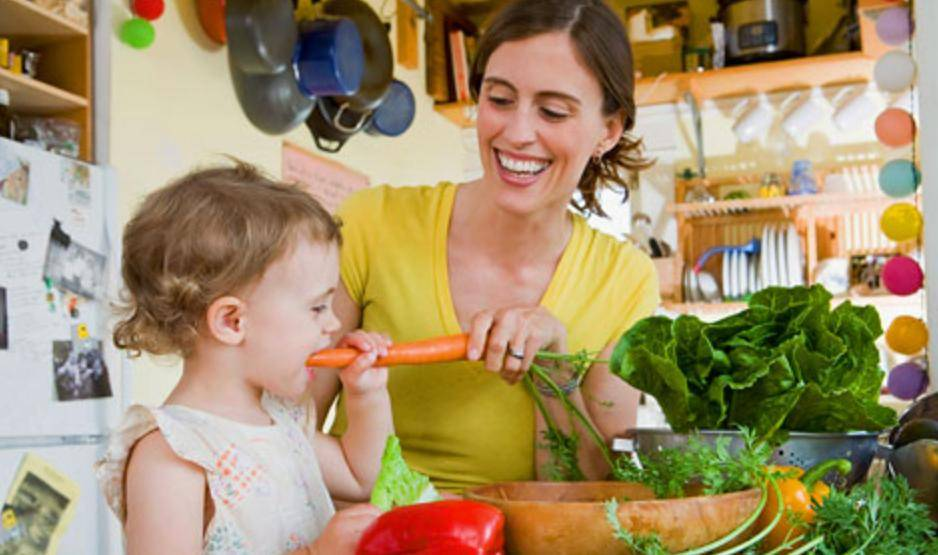 Как заставить малыша есть овощи? 15 хитростей