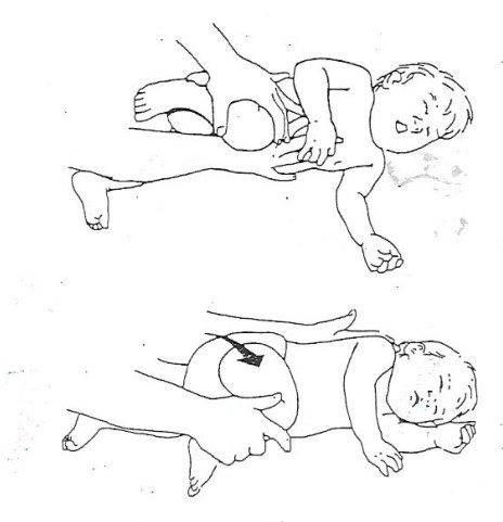 Как научить ребенка держать голову