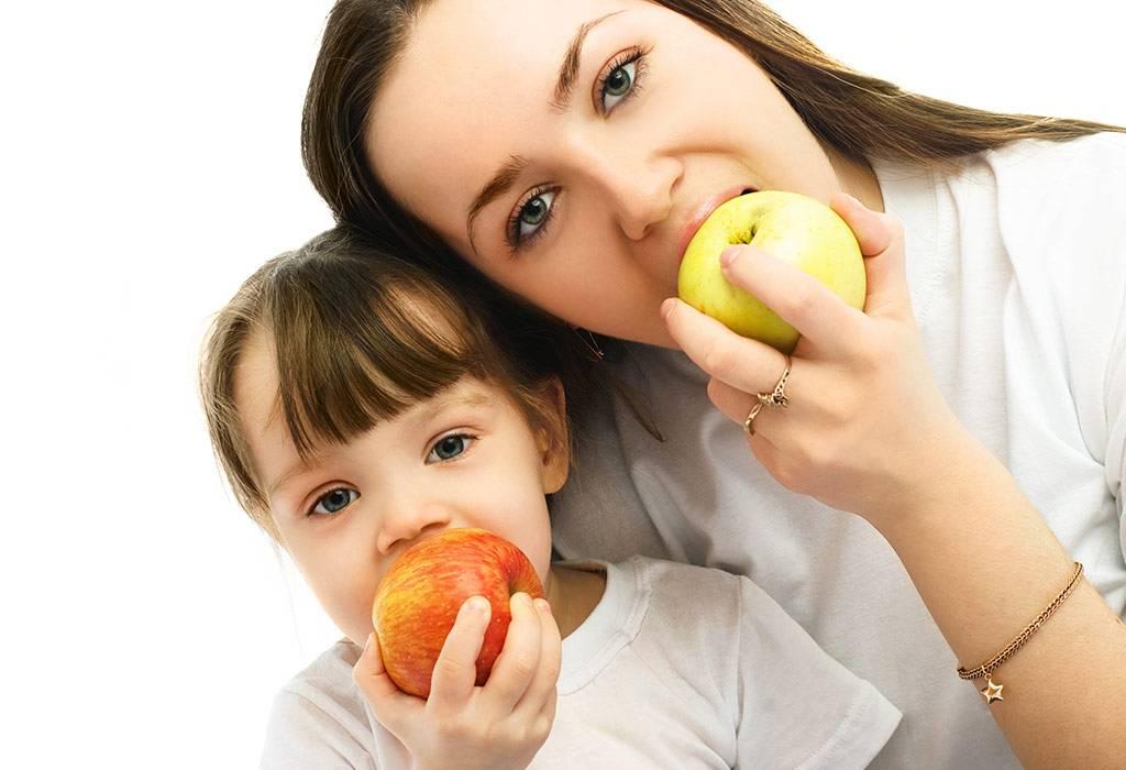 Яблоки при грудном вскармливании: зеленые, красные и печеные