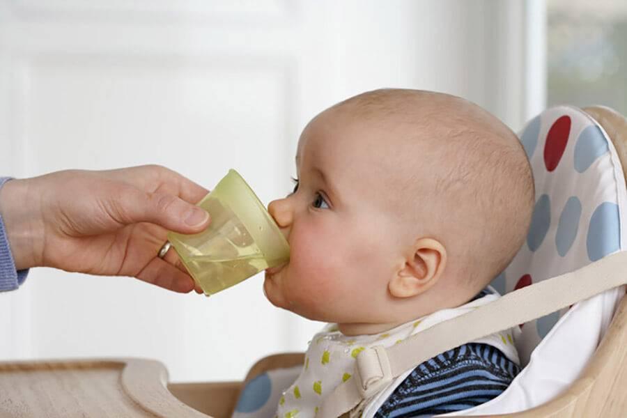 Стоит ли волноваться если ребенок пьет много воды?