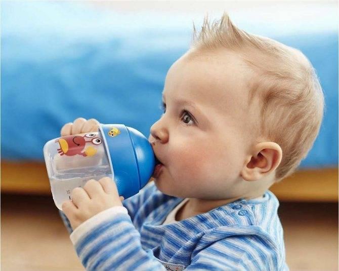 Как приучить ребенка к бутылочке?