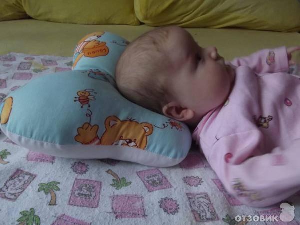Ребенок во сне вертит головой — причины и когда стоит обратиться к врачу