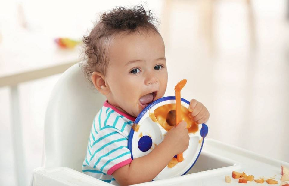 Как научить ребенка жевать?
