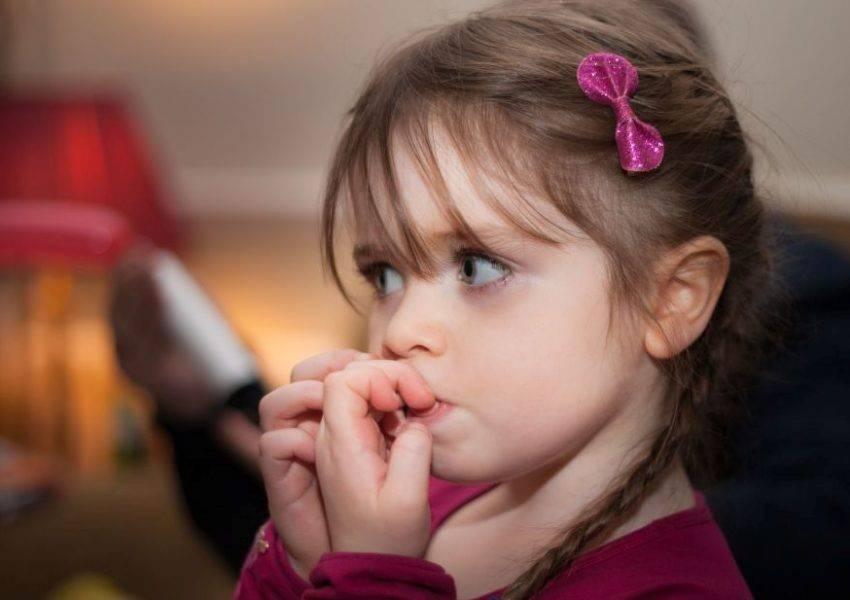 Вредные привычки. ребенок грызет ногти.   центр аналитической психологии