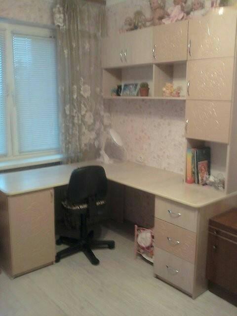 Письменный стол для школьника - 105 фото лучших идей дизайна