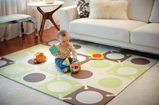12 лучших развивающих ковриков для детей