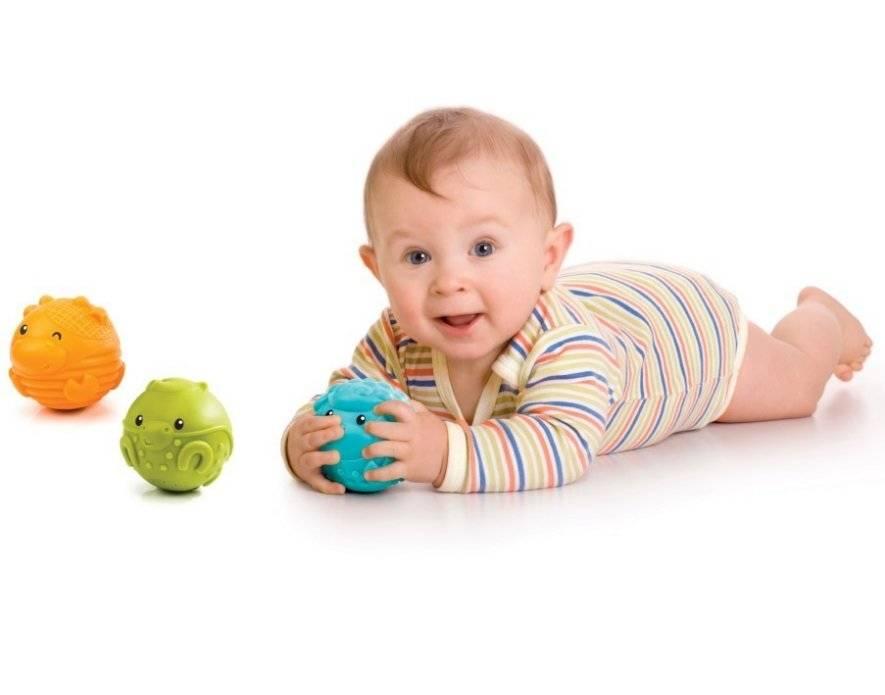 Какие развивающие игрушки нужны для детей от 0 до 1 года и как правильно выбрать