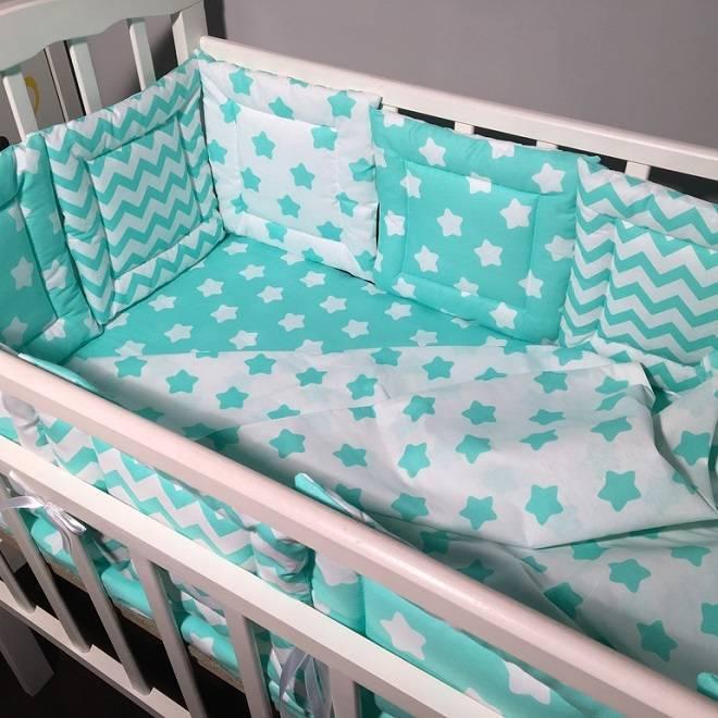Нужны ли бортики в кроватку для новорожденных и в чем их опасность