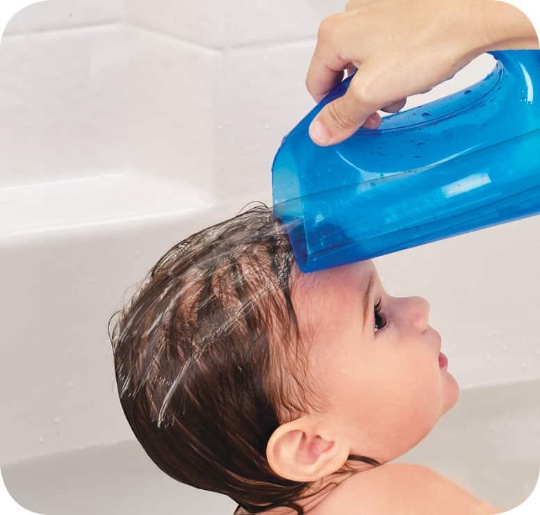 Как мыть голову новорожденному