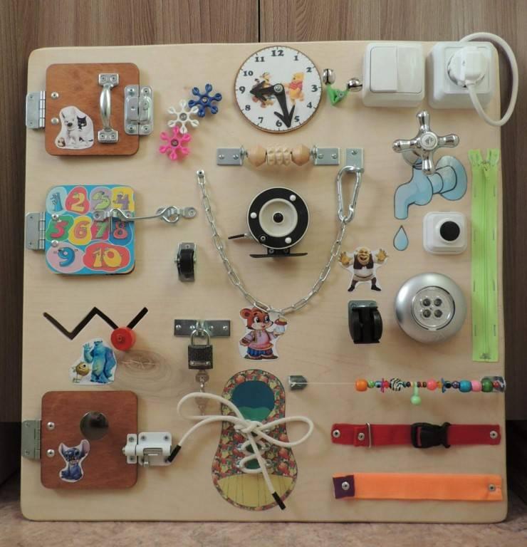 Бизиборд своими руками для мальчиков и девочек - 62 фото идей развивающих досок