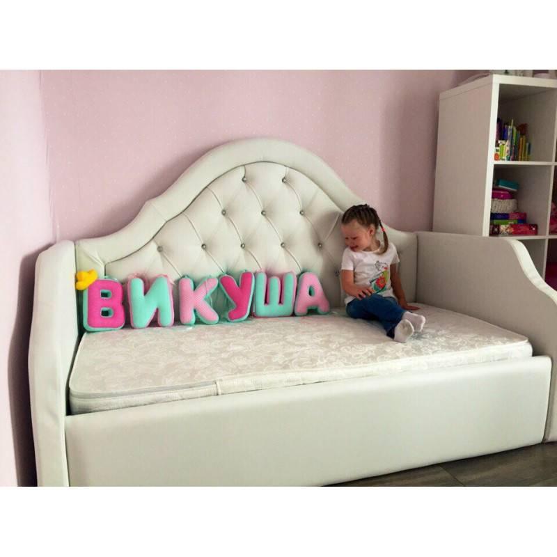 Детская кровать от 1 года (32 фото): модели для детей 6-7 и 10 лет