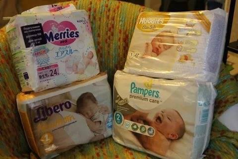 Как правильно одевать подгузник новорожденному ребенку
