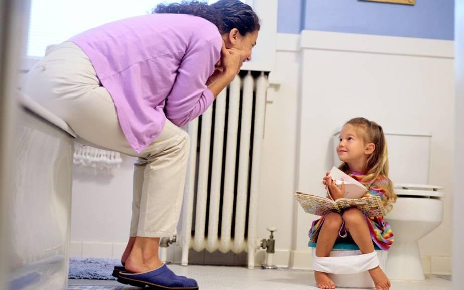 Как бороться со страхом ребенка перед горшком