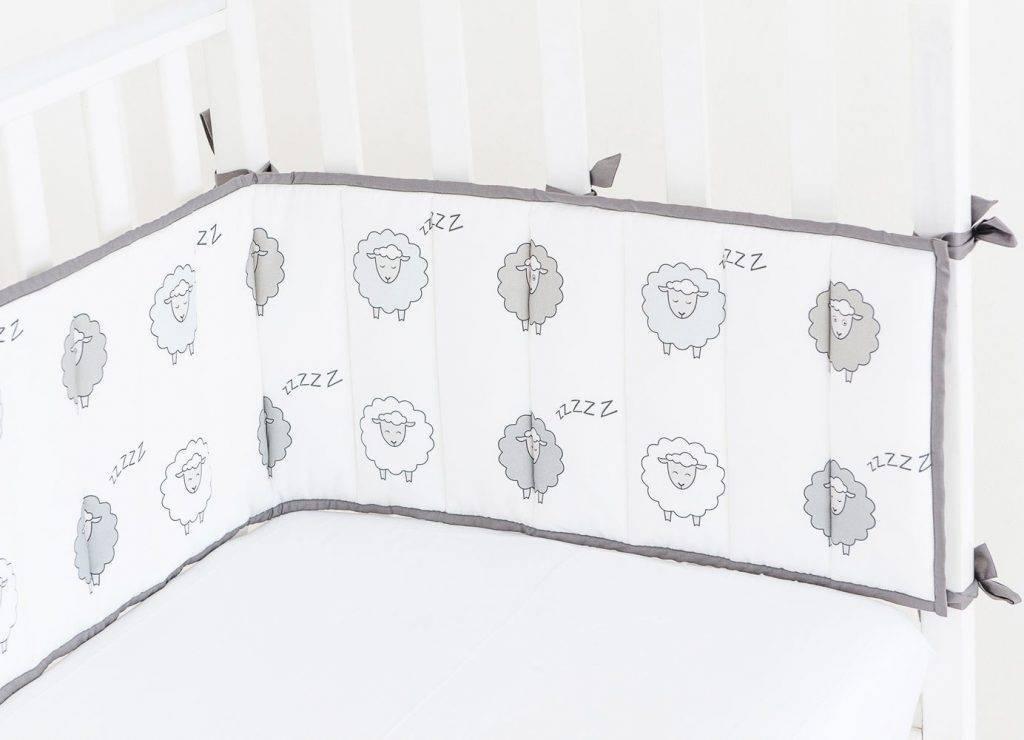 Бортики в кроватку - как выбрать комплекты бамперов в кроватку для новорожденных (75 фото)