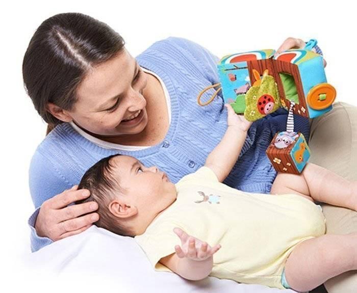 Что подарить ребенку на полгода? варианты презентов от родителей, лучшие подарки для мальчика и девочки