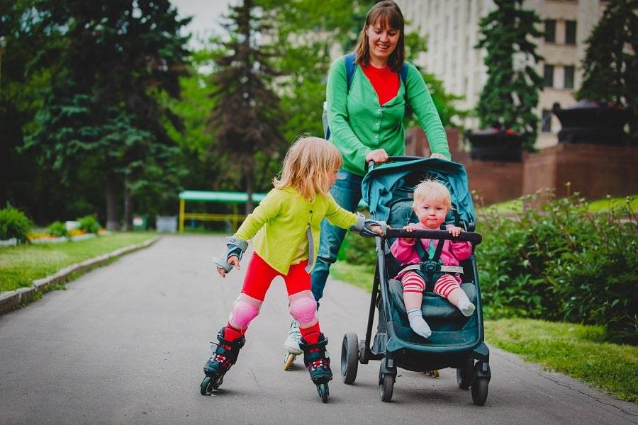 Что нужно взять на прогулку с ребенком
