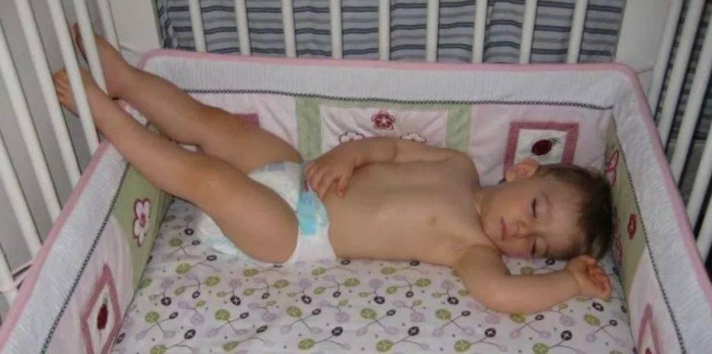 Как приучить  ребенка спать отдельно от родителей.    семья и мама