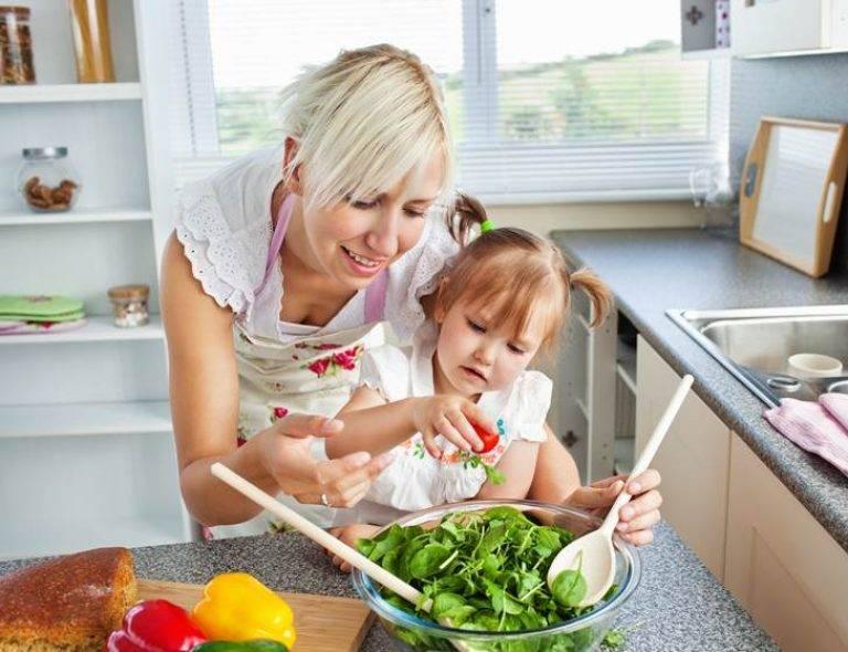 Если ваша жена жалуется на усталость, сидя с ребенком