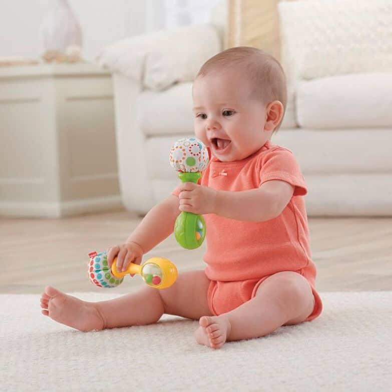 Когда новорожденный начинает узнавать маму, сроки и особенности развития зрения у ребенка