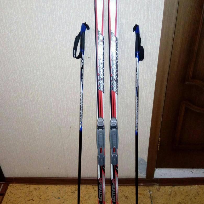 Как выбрать коньковые лыжи: рейтинг лучших предложений