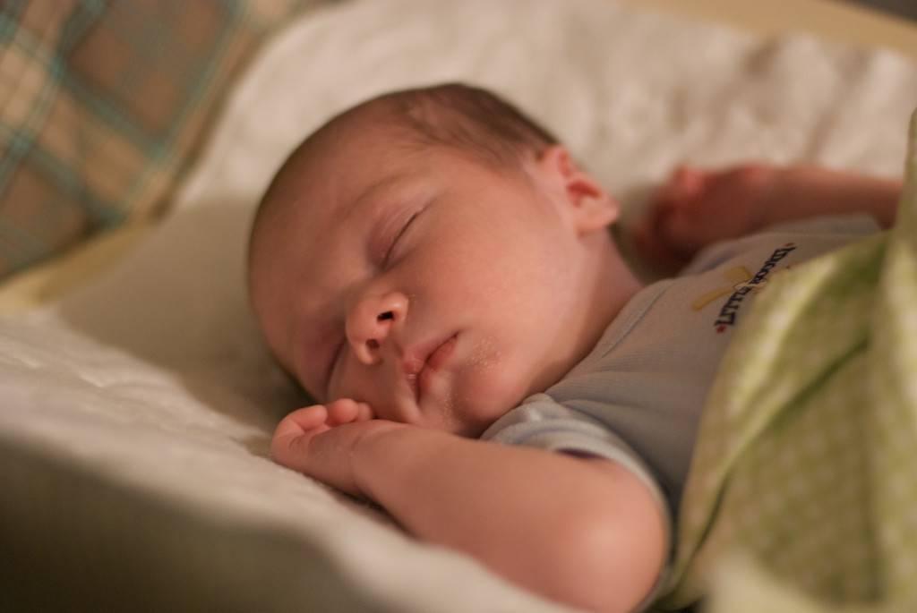 Проблемы со сном у грудничка в дневное время - рекомендации врачей